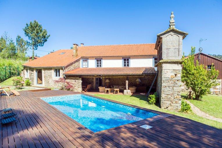 Casa rural con piscina en A Coruña a 100 metros del campo de golf Paderne